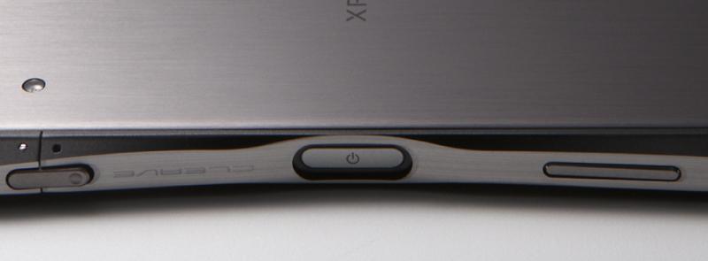 f25fe437b4 Xperia X Performanceの電源ボタンに配置された指紋認証 センサーは、バンパーの形状を工夫し、無理なくセンサーに触れるようにし、バンパーを装着したままで指紋 ...